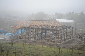 雨の中の再生工事